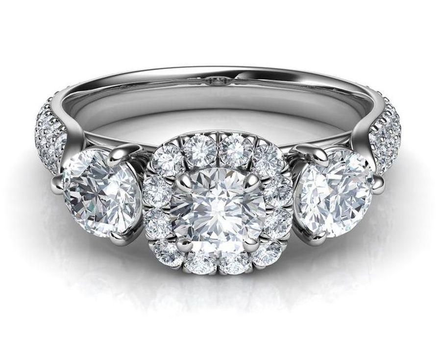 Srebrny pierścionek z diamentami